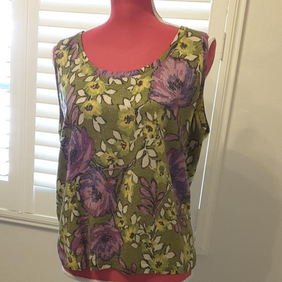 881b802056b5 Beautiful sleeveless blouse. St. John. M_5bf98f5395199601ed63772f.  M_5bf98f78c9bf504fba1202e0. M_5bf98f5395199601ed63772f;  M_5bf98f78c9bf504fba1202e0